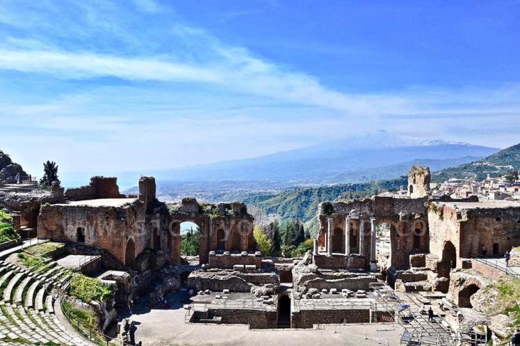greek theatre-etna-taormina