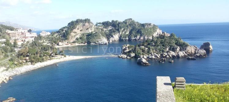 Taormina-isola bella-sicily