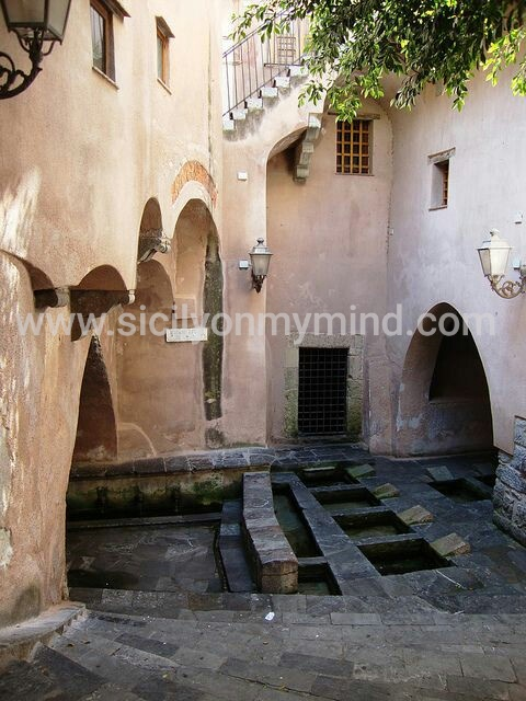 ancient laundry-cefalu